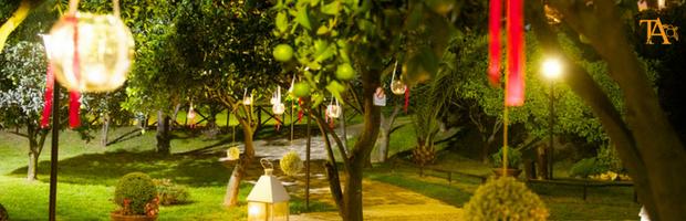 Matrimonio all 39 aperto allestire angoli buffet e social for Addobbi piscina per matrimonio