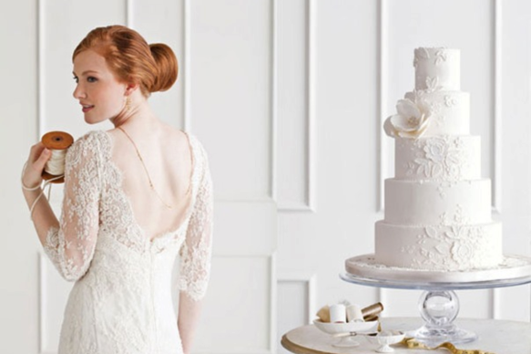 Tendenza torte nuziali 2019: Wedding Dress Cake (indossa la tua torta!)
